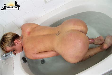 big ass transexual winkers jpg 1440x960